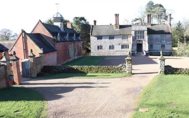 Baddesley Clinton manor & farm