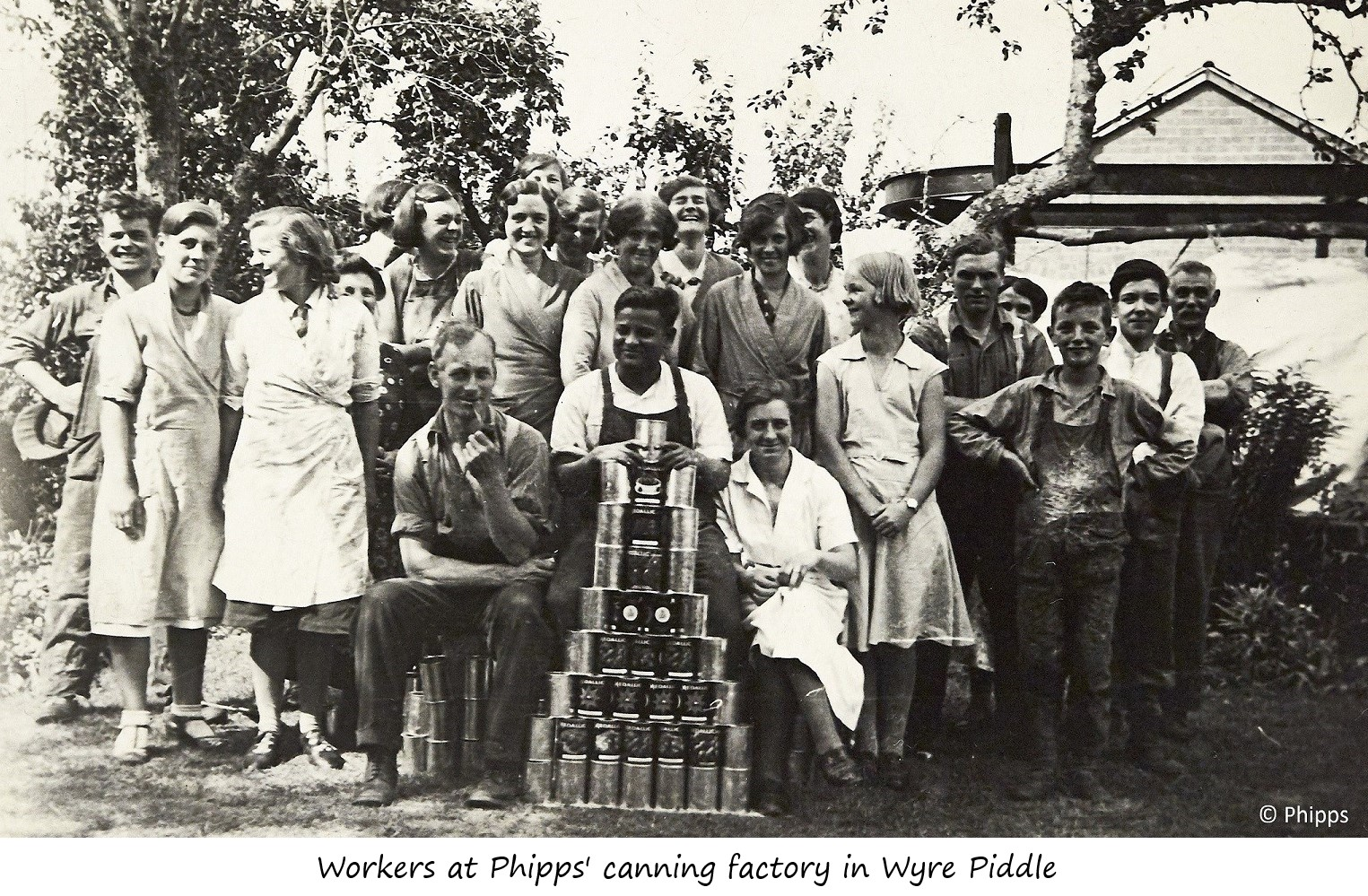 Workers at Phipps' canning factory in Wyre Piddle